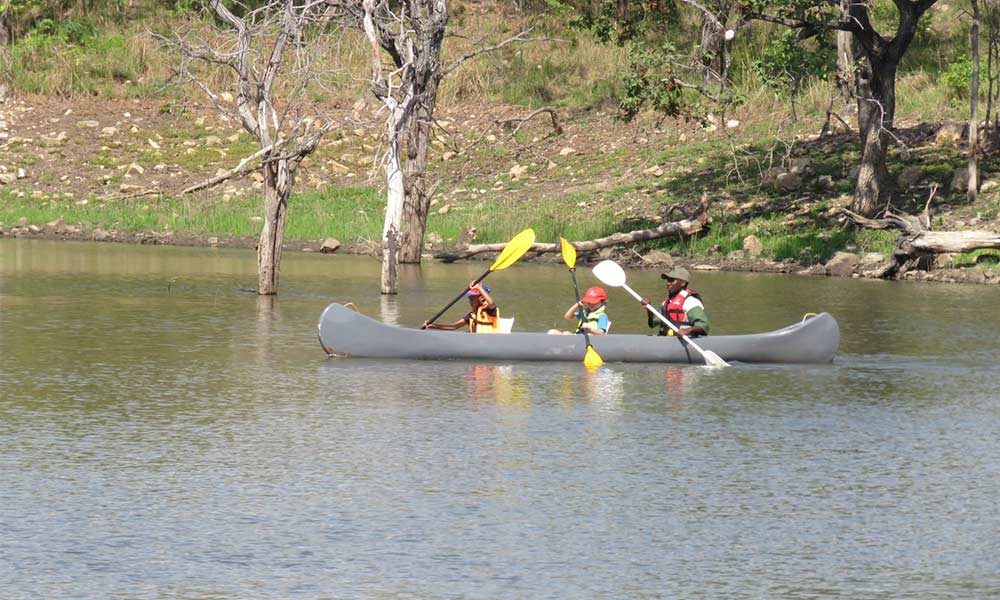 Canoeing Mazowe River Hippo Pools